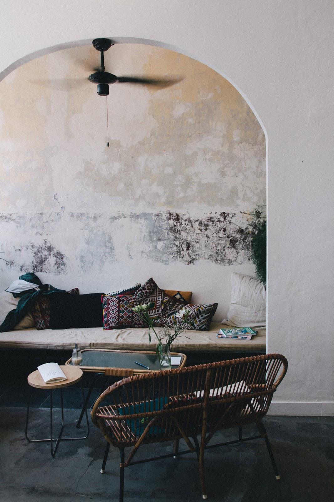 Tinsel restaurant Anvers || Usure des murs