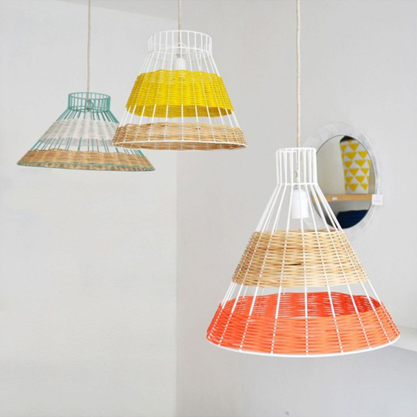http://www.turbulences-deco.fr/wp-content/uploads/2012/08/Lampe-Suspension-Straw-Rotin-Corail-et-Naturel-_Serax.jpg