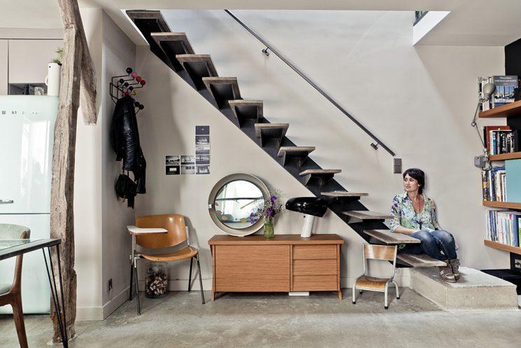 Un appartement sous les toits en perpétuel mouvement à Paris, par l'atelier d'archi