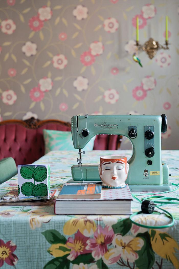 Le style bohème de la designer suédoise Katarina Wiklund // Machine à coudre vintage