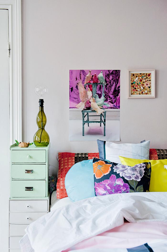 Le style bohème de la designer suédoise Katarina Wiklund // Mixe des motifs et couleurs pour le linge de lit