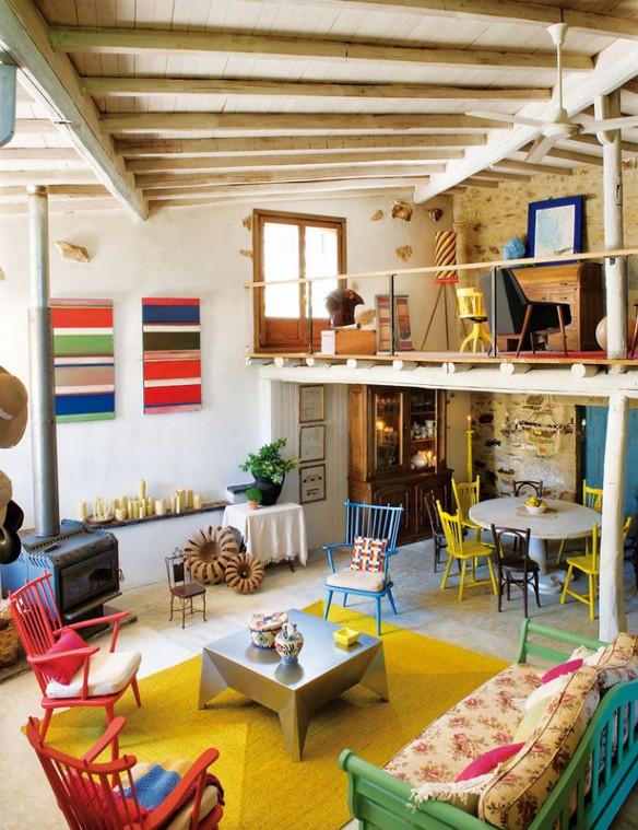 une ferme r nov e en galice un int rieur rustique tr s color. Black Bedroom Furniture Sets. Home Design Ideas