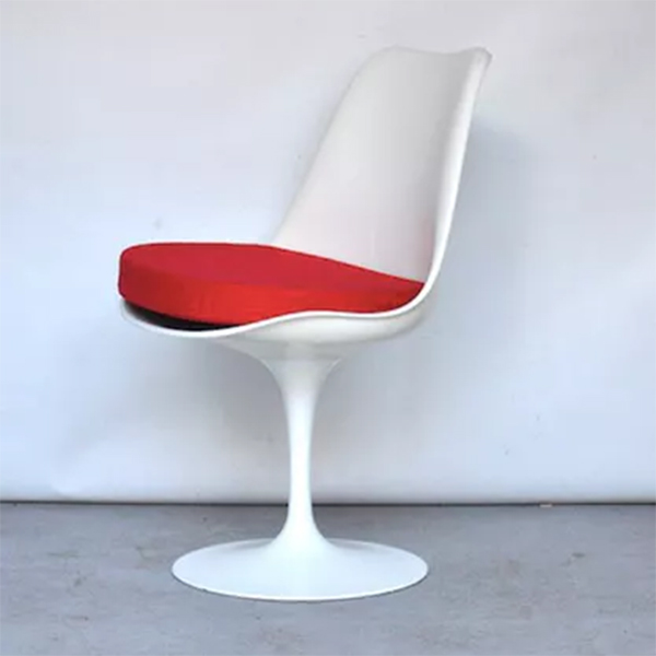 http://www.turbulences-deco.fr/wp-content/uploads/2013/02/brocantelab_chaise-tulipe-saarinen-vintage-knoll.jpg