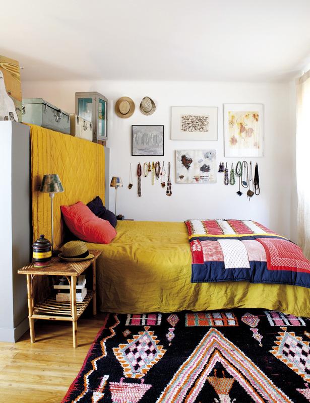 10 idées déco pour une chambre à coucher stylée // Mettre des textiles, tapis, rideaux, pour une ambiance chaleureuse