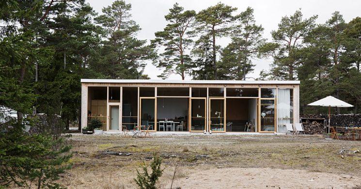 Un hangar militaire au look dépouillé sur l'île de Furillen en Suède || imberg arkitekter