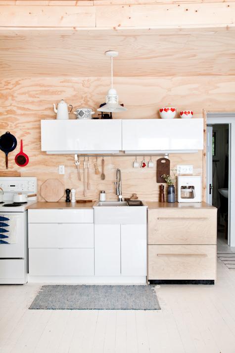 "Ne dites plus contreplaqué, dites ""plywood"" || Mjölk canadian cottage"