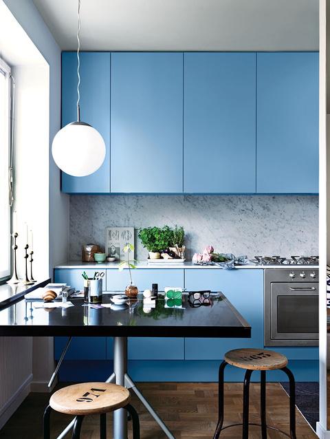 Idée déco : Une cuisine bleu et marbre