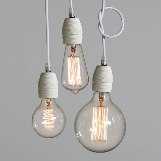 https://www.turbulences-deco.fr/wp-content/uploads/2014/02/ampm_Suspension-douille-porcelaine-LUCE.jpg