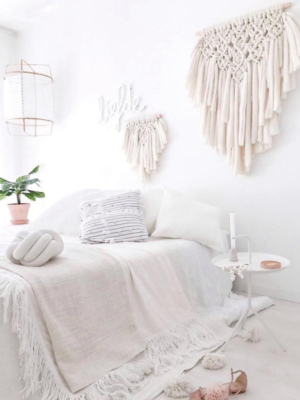 Une chambre blanche comme un cocon douillet - Esprit bohème