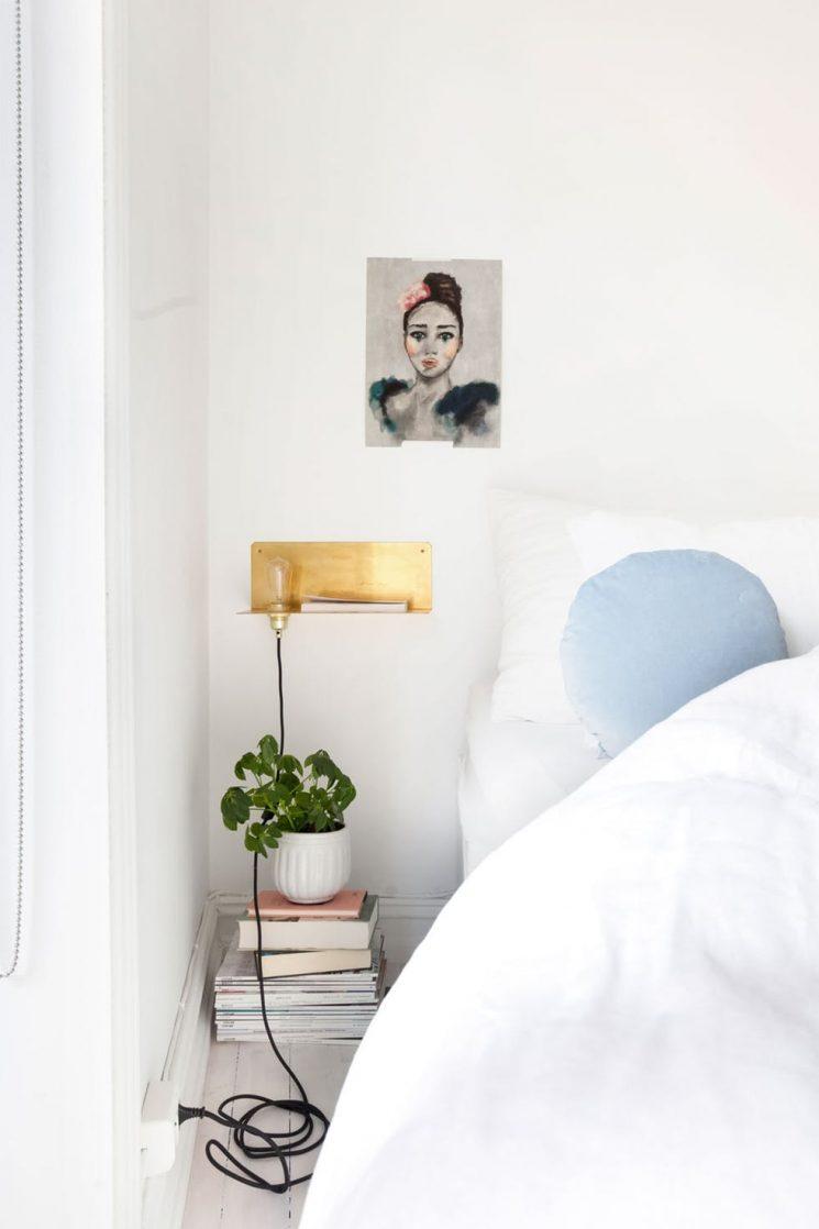 Une chambre blanche comme un cocon || Pour réchauffer le blanc apporter des touches pastel