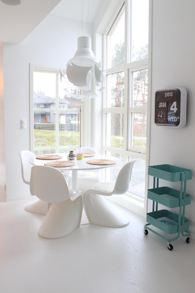 Le blanc est-il un concept ? || La maison immaculée blanc Julie Hole home - Stylismo