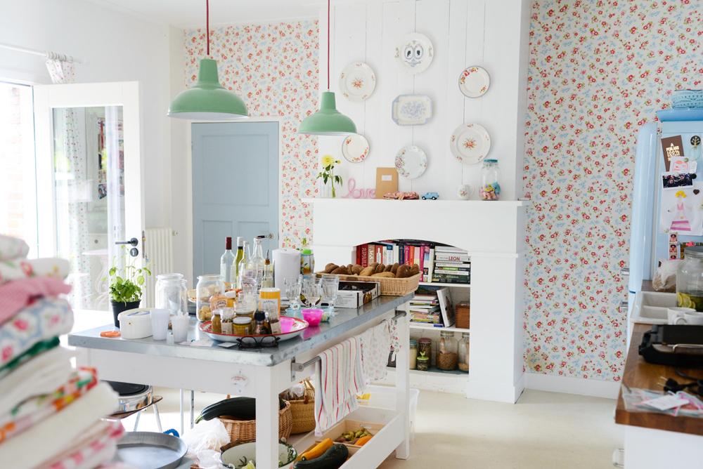 Id e deco du papier peint fleurs - Idee deco wallpaper volwassene kamer ...