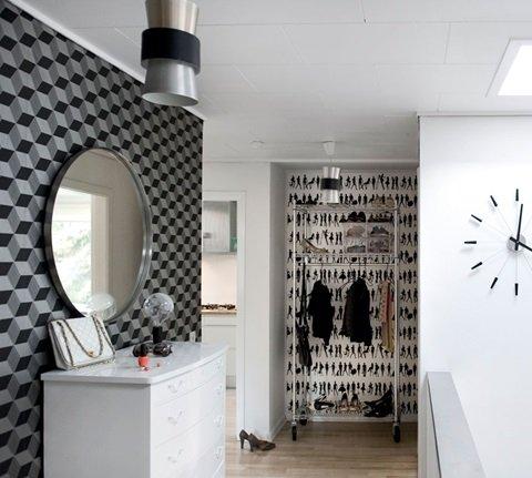 Exemple d'intérieur avec du papier-peint géométrique || Papier-peint Squares Ferm Living