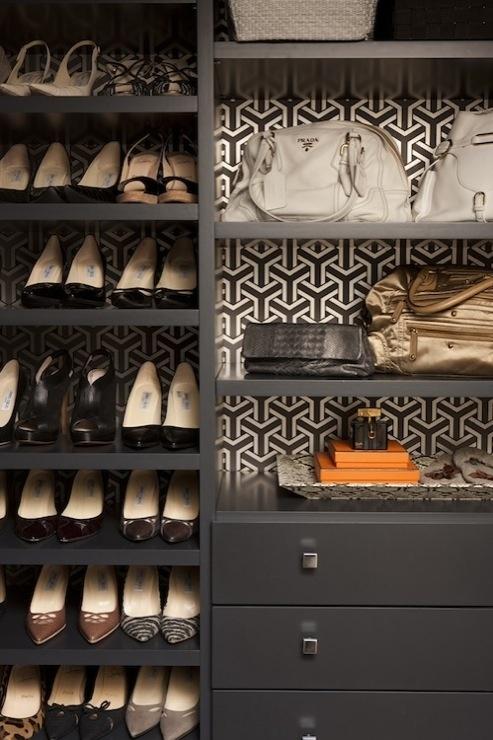 Exemple d'intérieur avec du papier-peint géométrique || Trifid wallpaper Osborne&Little