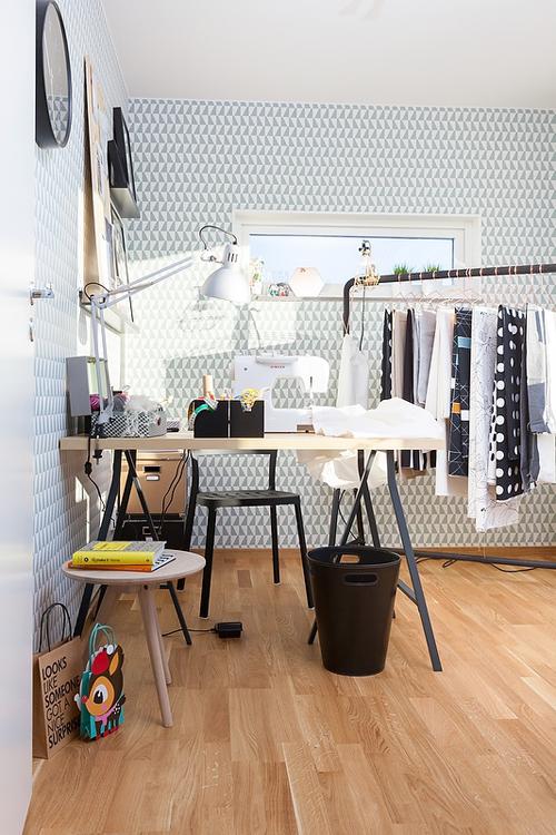 Exemple d'intérieur avec du papier-peint géométrique || Papier-peint Ferm Living