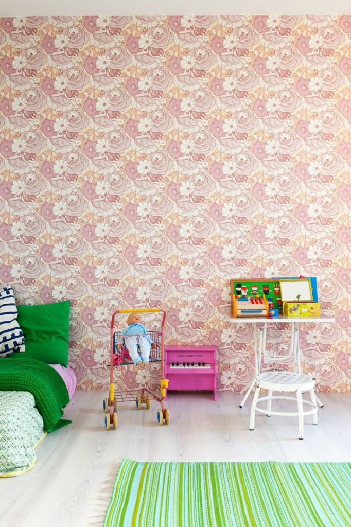 Une maison contemporaine et familiale par les architectes de BLAF || #papier-peint #rétro #vintage