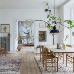 Intérieur scandinave aux tapis boucherouite