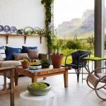 Une maison moderniste primitive au milieu du bush africain