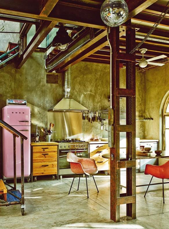 Un loft comme un décor de cinéma || Le loft de Gustavo Salmeron à Madrid