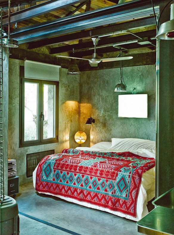 un loft comme un d cor de cin ma. Black Bedroom Furniture Sets. Home Design Ideas