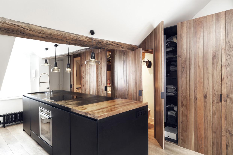 Sous les combles un appartement sous les toits paris - Deco open keuken ...