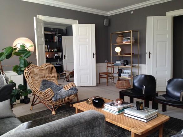 La galerie the apartment passe au gris - Le nastro sofa par pierantonio bonacina ...