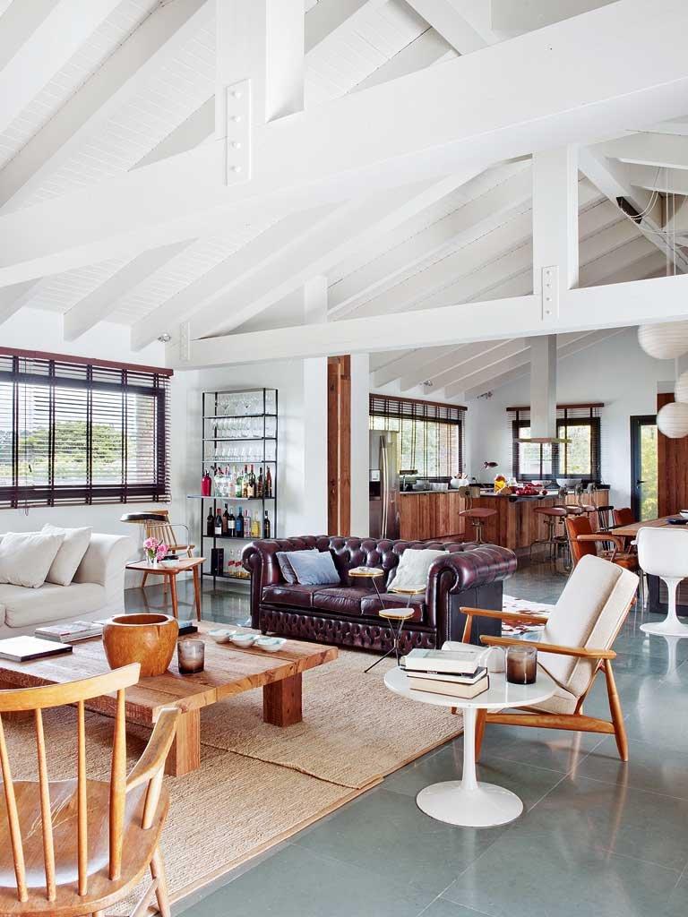 Le Style Rustique Oui Mais Contemporain # Associer Meuble Ancien Et Moderne Dans Le Salon