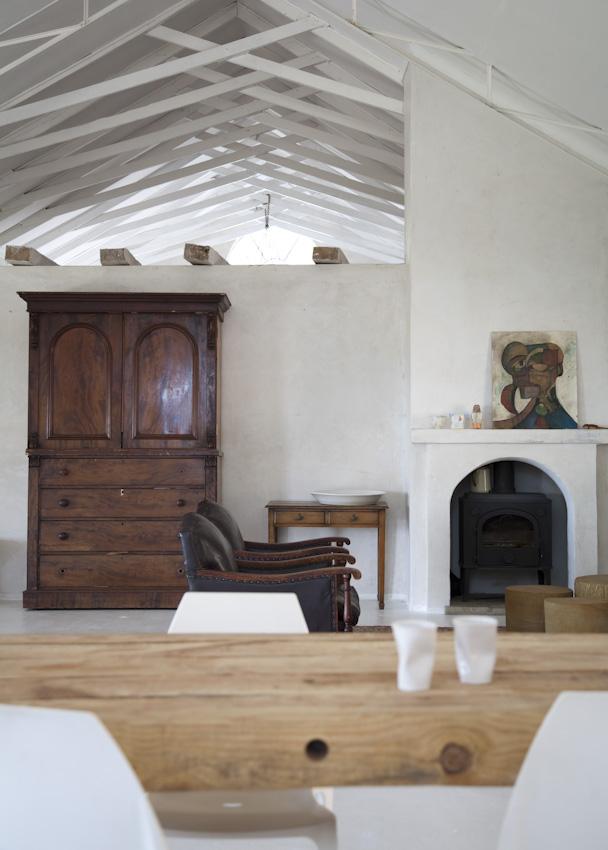 Mud studio, une ancienne église rénovée en habitation en Afrique du Sud