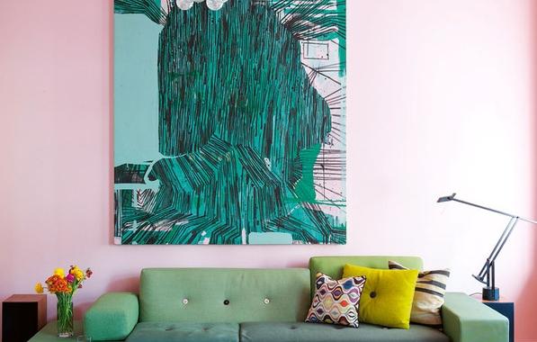 Oh la la ! La couleur ! Un appartement étonnamment coloré.