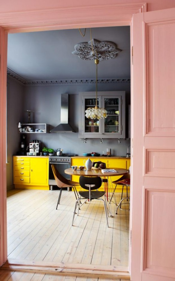 Stunning synne skjulstad appartement exemple de relooking for Repeindre vieille cuisine