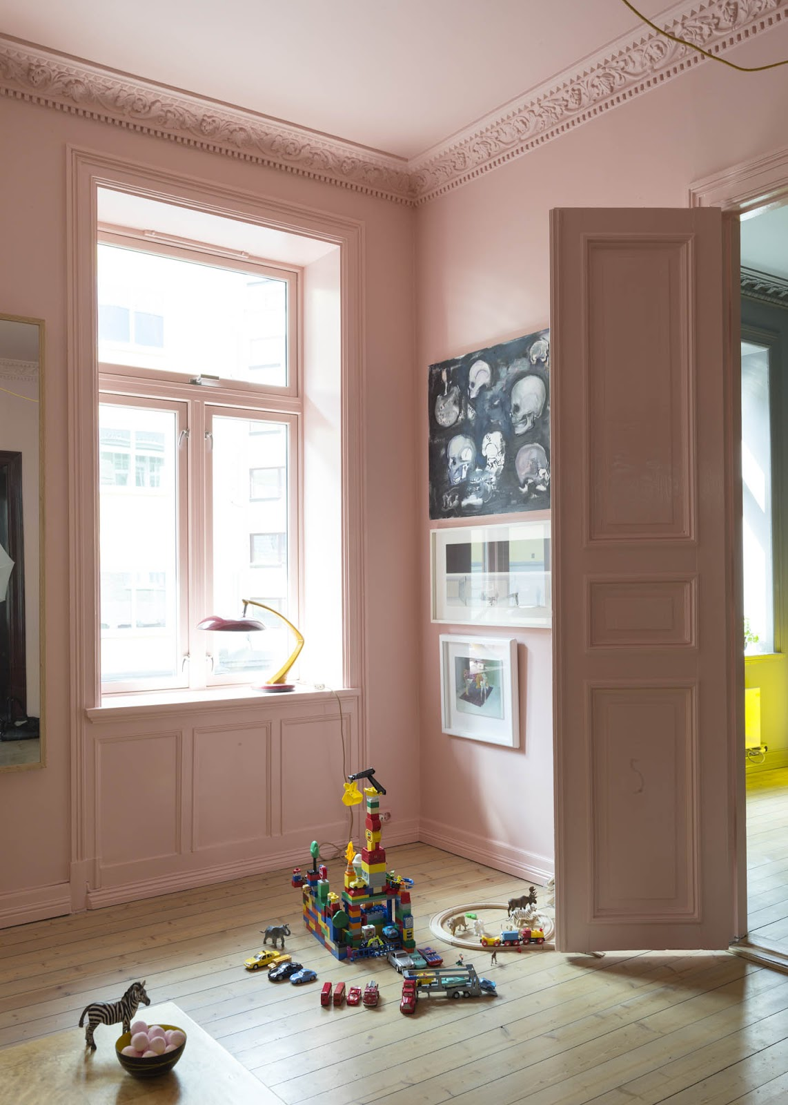 Un appartement étonnamment coloré à Oslö
