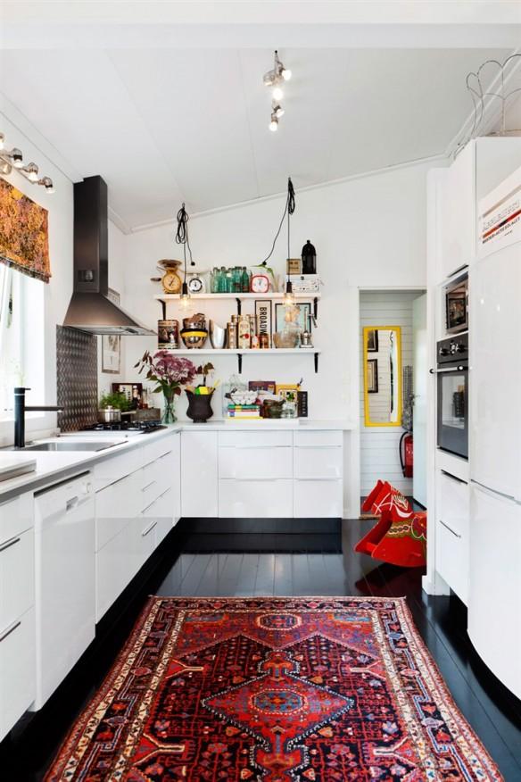 [ Idée déco ] Un tapis persan dans la cuisine // Une maison scandinave à la déco ethnique éclectique