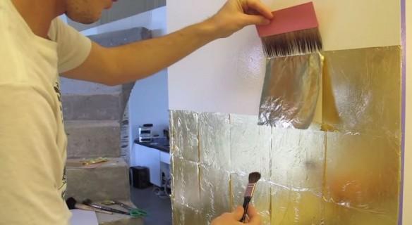 Murs doré à la feuille de cuivre