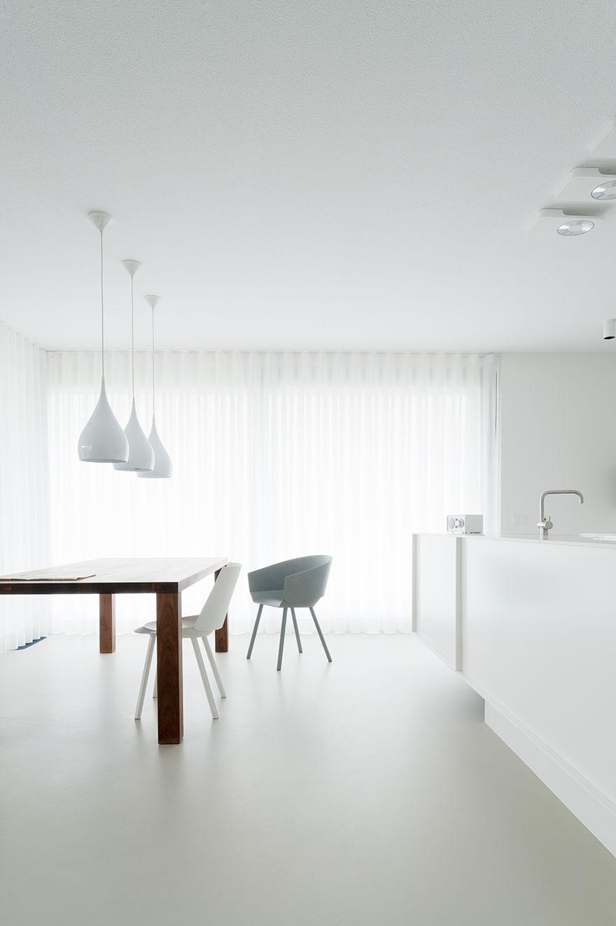 Open space blanc par le studio néerlandais Niels