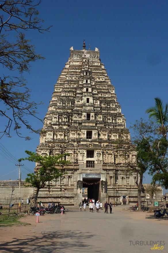Voyage en Inde - Site de Hampi - Gopura du temple de Virupaksha