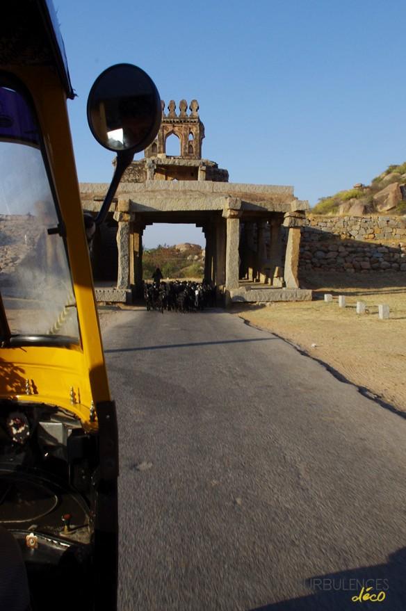 Voyage en Inde - Site de Hampi - Vers le temple Sri Krishna en rickshaw