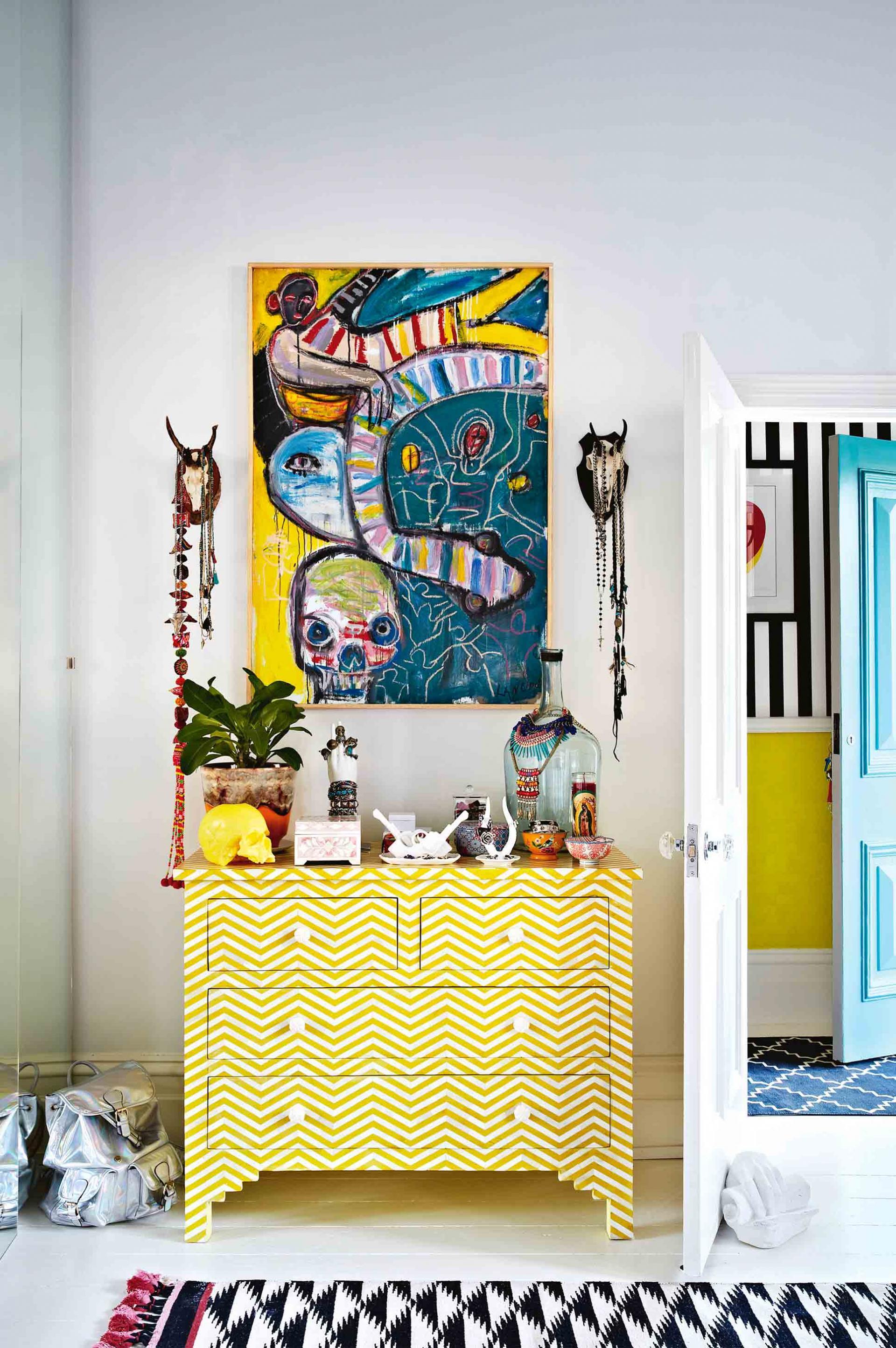 Kortlang home    Sous influence du style Memphis