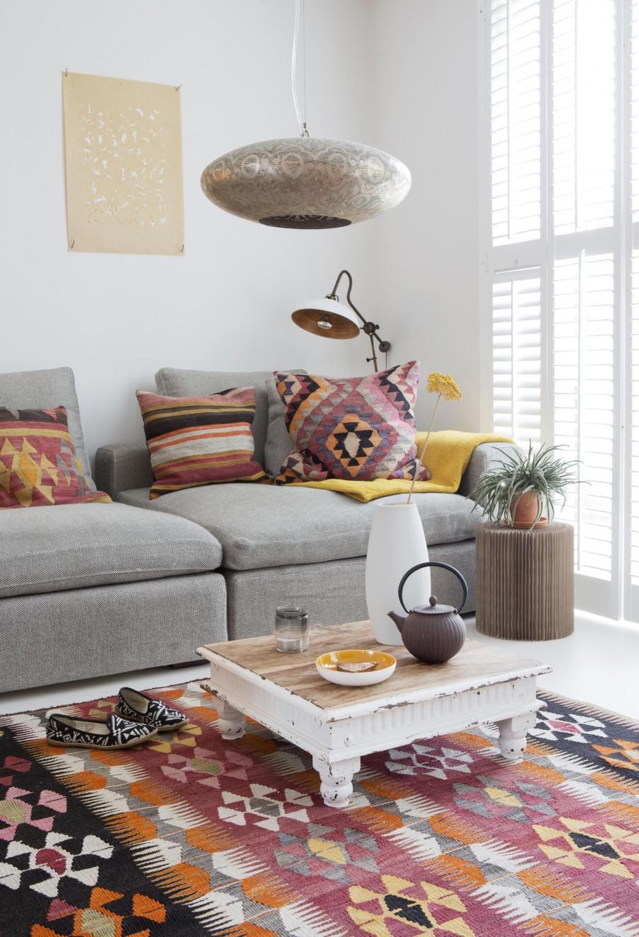 des kilims pour r veiller une d co scandinave. Black Bedroom Furniture Sets. Home Design Ideas