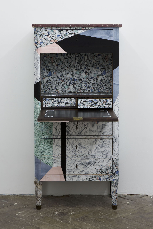 Robert Normand design    Sous influence du style Memphis