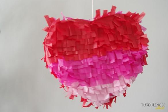 Diy une pinata for Deco en forme de coeur