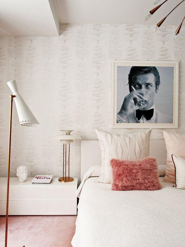 Une chambre glamour rose et crème par Miriam Alia (Madrid)