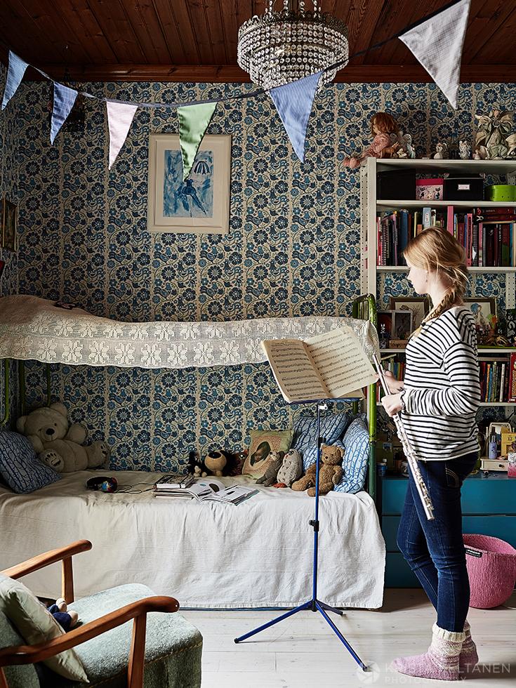 Une vieille ferme en Suède - Photo Krista Keltanen || Une chambre d'enfants bohème
