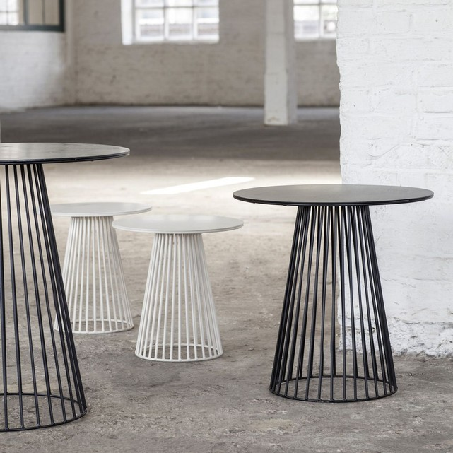 https://www.turbulences-deco.fr/wp-content/uploads/2015/05/serax_Table-bistrot-design-Garbo-65.jpg