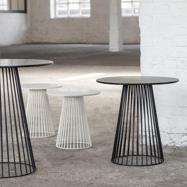 https://www.turbulences-deco.fr/wp-content/uploads/2015/05/serax_Table-bistrot-design-Garbo-65.jpg