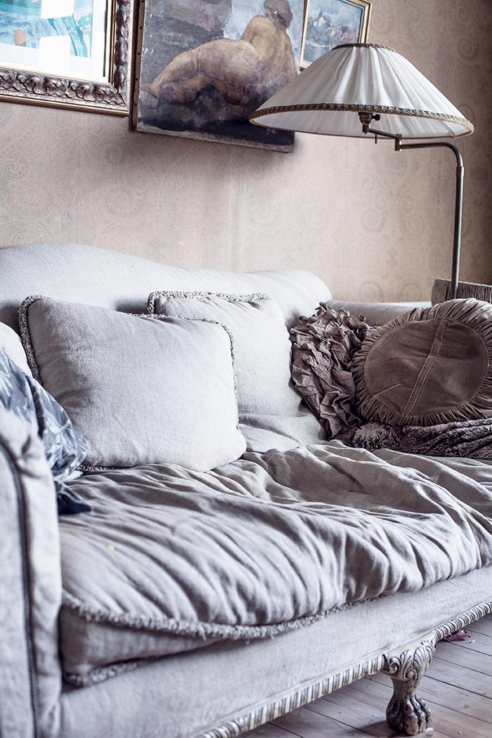 Anna Malmberg portfolio || Un vieux sofa complètement fané et bohème