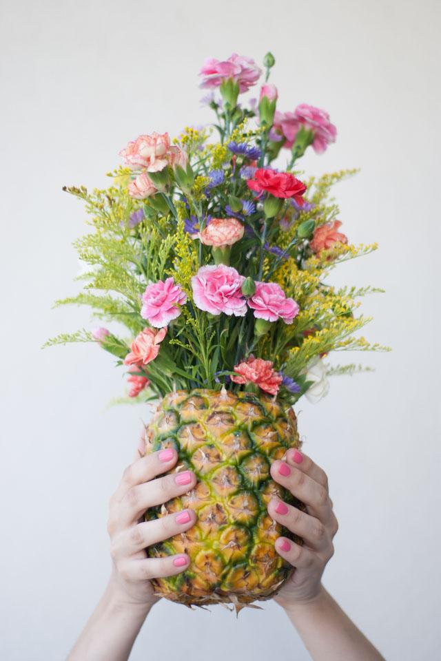 DIY : Faire d'un ananas un vase