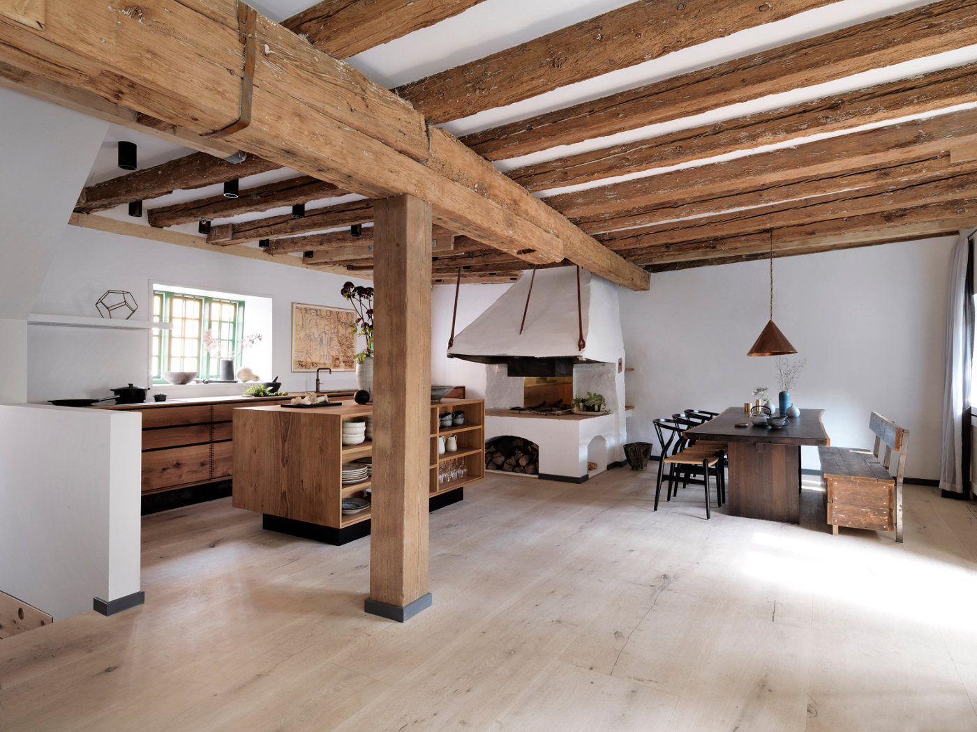 Gardehvalsoe_Bespoke-kitchen-Model-Dinesen-HeartOak_2