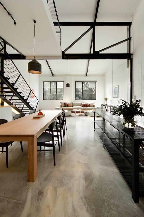 Agence Techne - Projet Regent Street Warehouse    Loft industriel avec fenêtres en aluminium noires