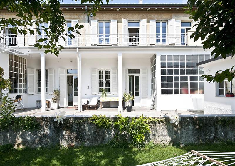 Le blanc en déco comme boîte à lumière sur Turbulences Déco // Design intérieur: Archiplan studio - Projet Casa Errepi, maison en Lombardie