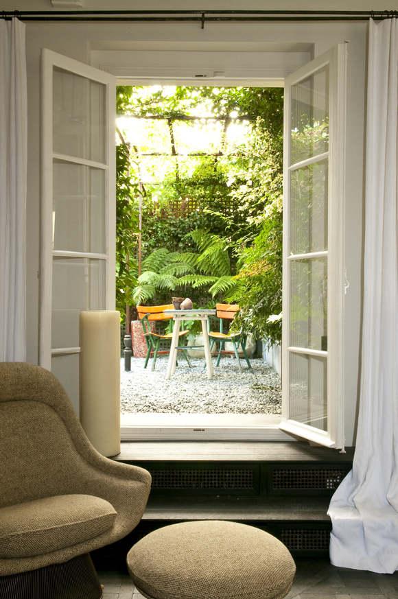 Un appartement au ré-de-chaussé à Paris avec sa cour intérieure